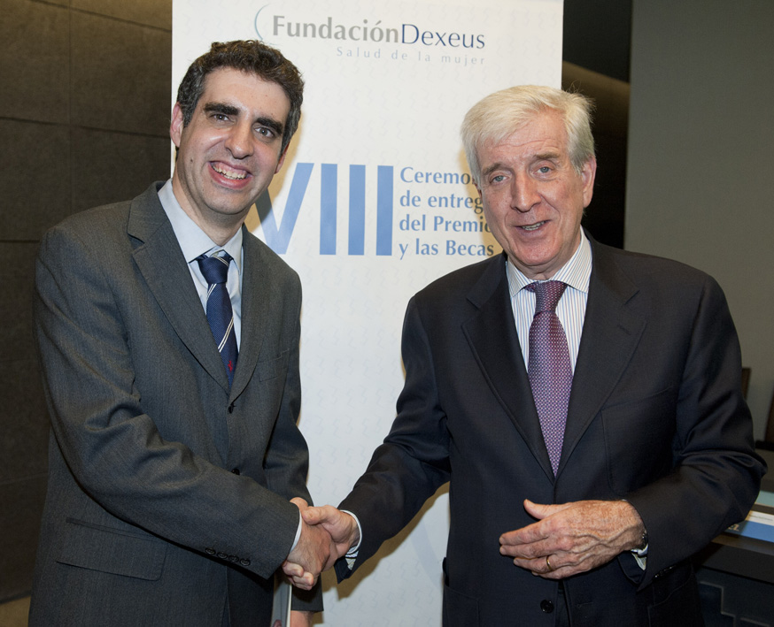 foto Researcher  Manel Esteller and the president of  Fundaci�n Dexeus, Pedro N. Barri, during the ceremony award and grants of Fundaci�n Dexeus Women's health