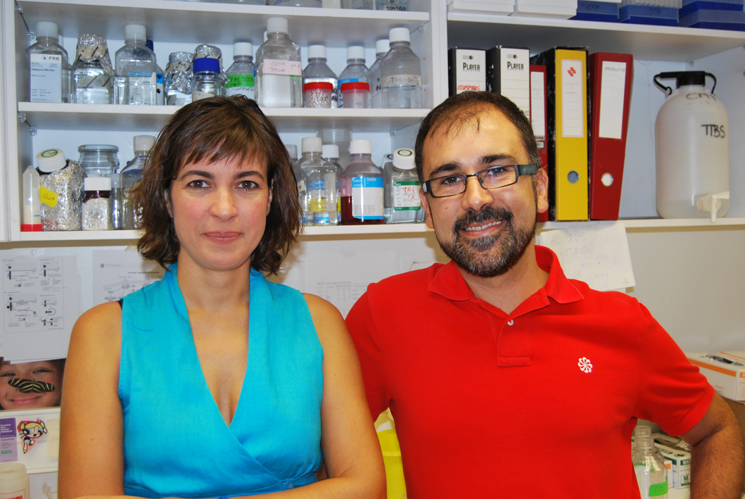 foto IDIBELL researchers Cristina Muñoz-Pinedo and Òscar Martínez Tirado